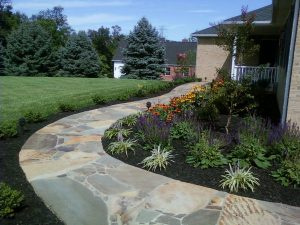 hardscape-pation-mulch-flower-1024x768